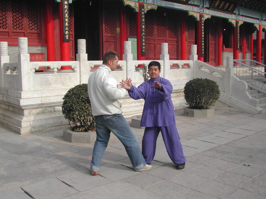 Meister mit Schüler in der Traditionslinie des Yang Stil Taiji