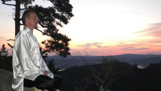 Meditation im Gebirge